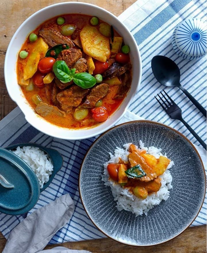 Thai red curry - authentic thai food
