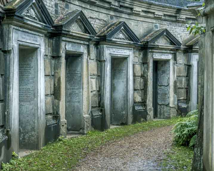 Halloween Things to do in London: Highgate cemetery